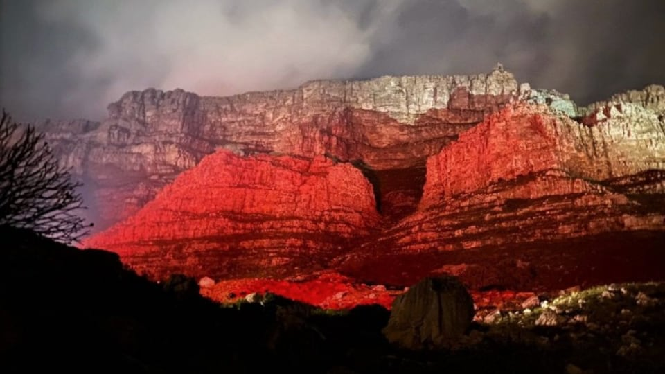Gearhouse South Africa lights up Table Mountain in red for LightSARed