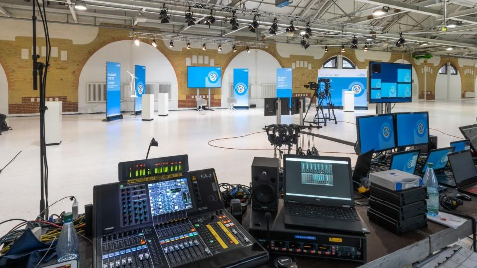Neumann&Mueller virtual studio Station Berlin