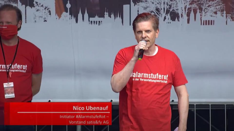 Nico Ubenauf, CEO of satis&fy, at the Alarmstufe Rot demonstration on September 9, 2020