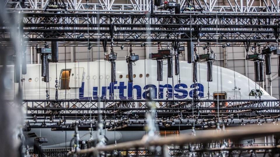 Lufthansa Logo 100th Birthday - satis&fy & Eurotruss